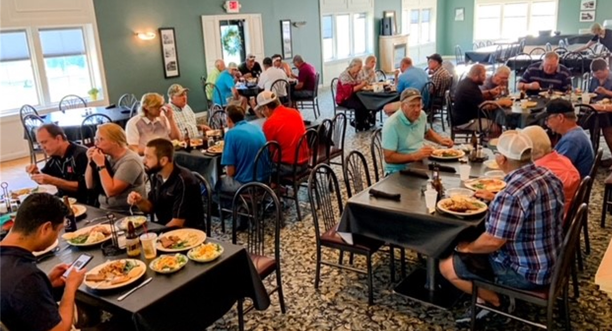 Shenandoah customers and community members eating lunch